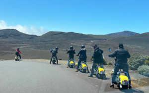 Eco-tour Volcan : Mr Jugnot et une partie de l'équipe de Petit Piaf